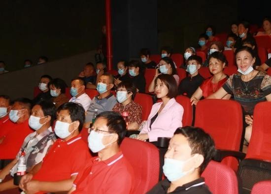 电影《半条被子》今日在商丘公映 李凤鸣再塑经典银幕形象