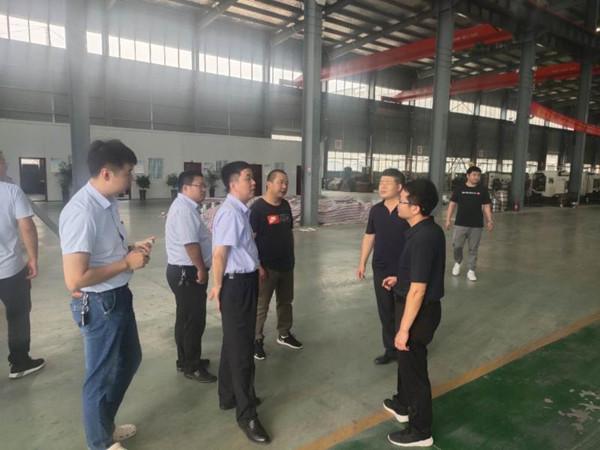 邓州市夏集镇筑巢引凰促招商