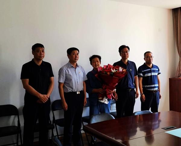 郑州金水区退役军人事务局到花园路街道走访慰问在乡复员军人