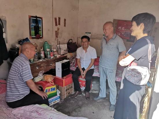 汝南县退役军人事务局到常兴镇走访慰问抗日老兵