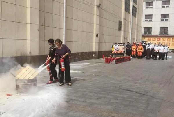 南阳消防救援支队多举措开展重点单位消防宣传培训活动
