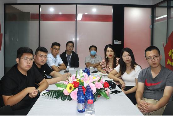 郑州高新区新联会组织会员单位收看全国抗击新冠肺炎疫情表彰大会直播