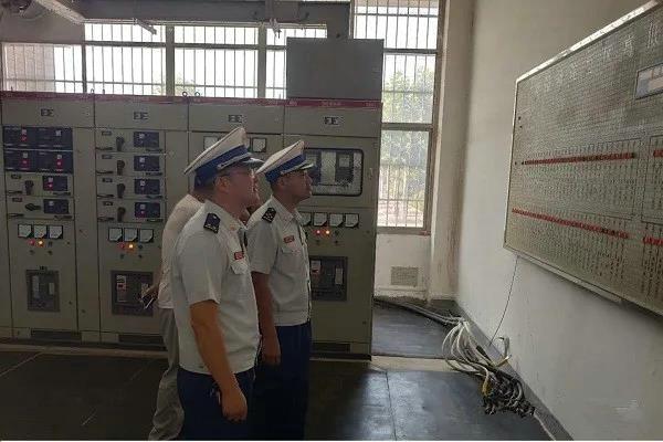 南阳市消防救援支队联合市供电公司对高校开展火灾隐患排查