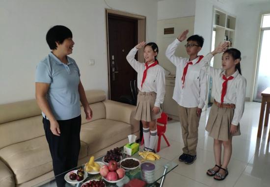 时光不老,致敬芳华——郑州高新区外国语小学开展慰问退休教师活动