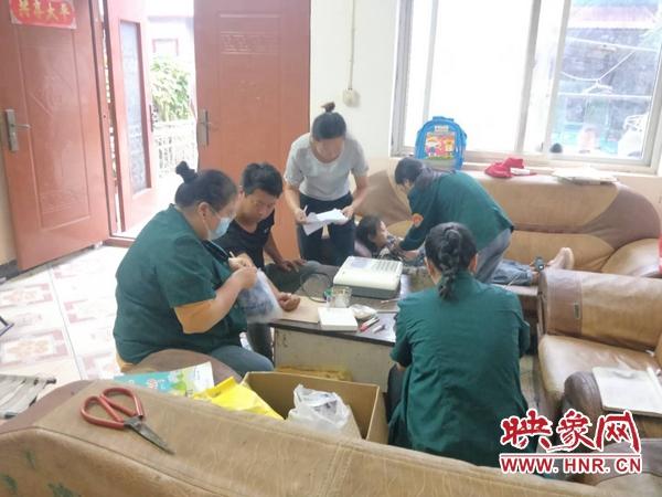 通许县咸平街道卫生院开展入户体检 情暖贫困户
