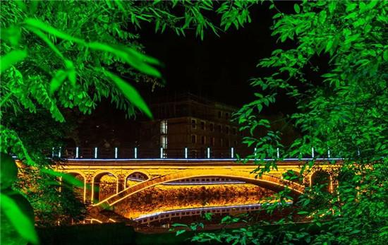 龙峪湾献礼双节,十一当天对全国游客免票!