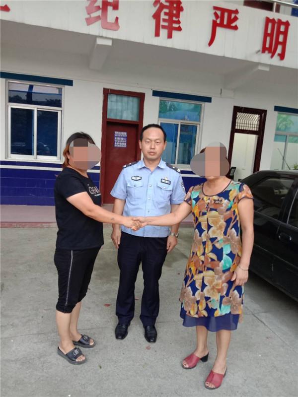 邓州:民警用耐心和细心化解积怨多年的邻里纠纷