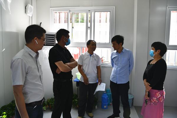 郑州管城区政府副区长苏莹玺调研辖区学校开学工作
