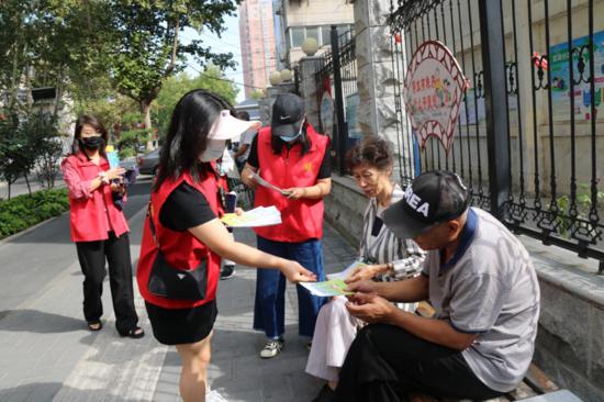 志愿服务促文明 区直单位齐帮忙