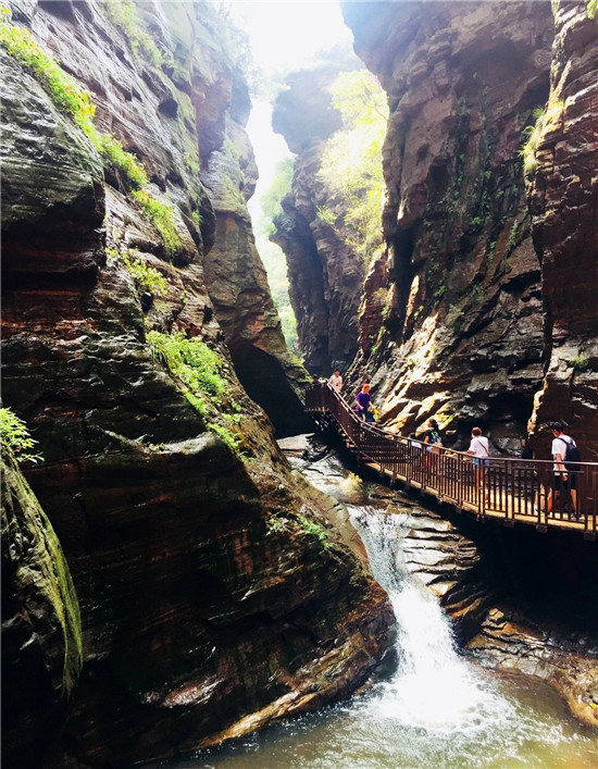 龙潭大峡谷这样明媚的秋色,你来打卡了吗?