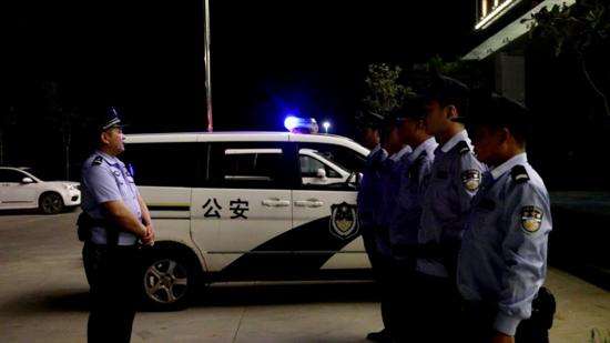 """兰考惠安派出所的一天丨频繁的""""警""""步 走出不平凡的路"""