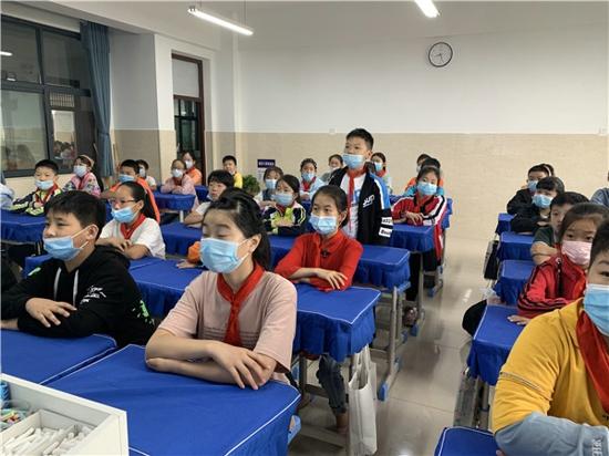 郑州新柳路小学:缅怀革命先烈,弘扬烈士精神