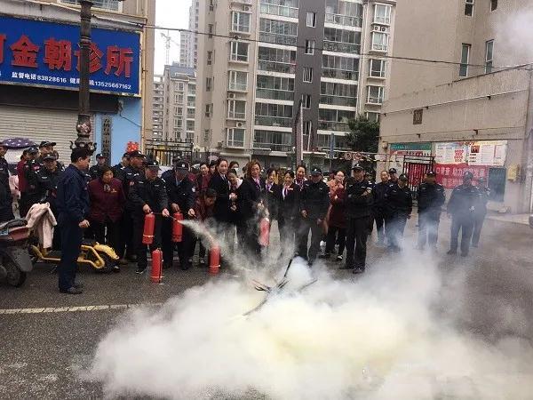 """南阳消防支队""""以小促大"""" 全力做好秋冬季消防宣传"""