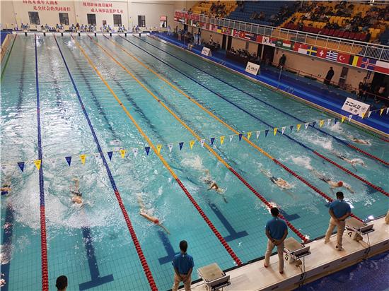 河南省青少年游泳锦标赛在西华县开赛