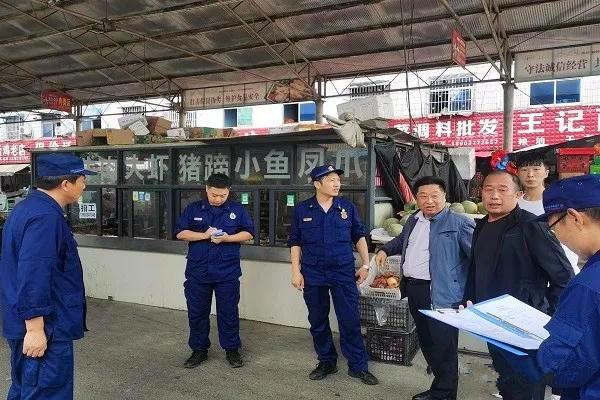"""南阳消防支队严控""""小火亡人"""" 助推消防安全专项整治三年行动深入开展"""