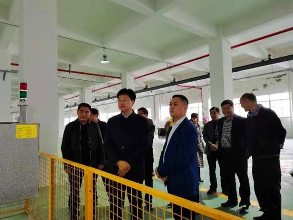 南阳市委常委、副市长薄学斌到卧龙区光电产业集聚区进行专题调研