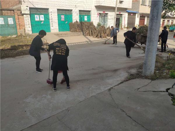 唐河昝岗乡:创卫改善环境 创文文明脱贫
