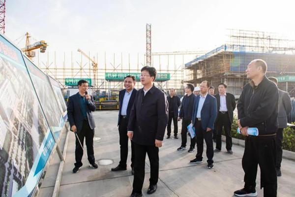 南阳市委常委、常务副市长薄学斌一行莅临唐河县人民医院视察新院区建设情况