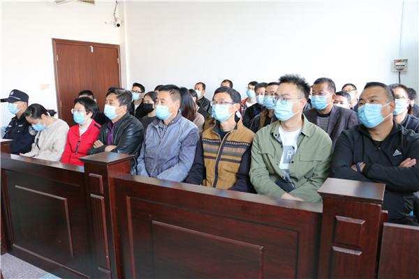 西峡法院:庭审观摩促进依法行政