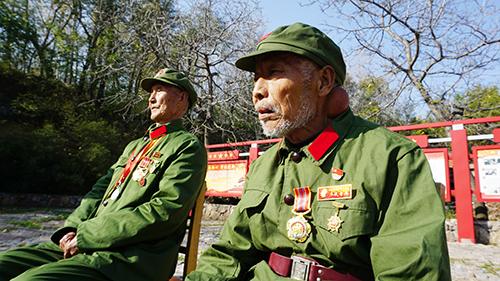 纪念抗美援朝70周年 中原豫西抗日纪念园邀请老兵讲述峥嵘岁月