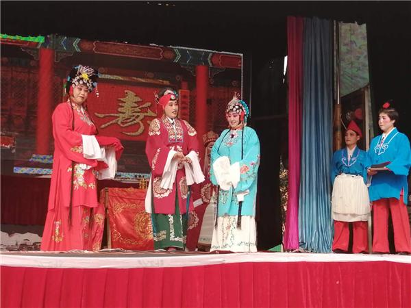 内乡马山口镇举行庆重阳非物质文化遗产文艺展演