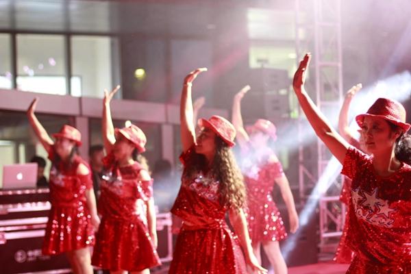 舞动夕阳,梦想起航!建设银行郑州金水支行广场舞大赛在YoYoPark购物公园圆满落幕