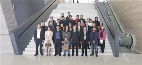 新添文化新地标 民革郑州市委50余位党员打卡郑州美术馆新馆