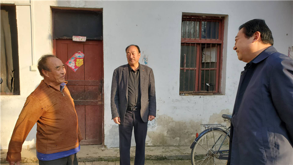 唐河县领导深入大河屯镇走访困难群众