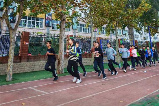 超越自我 勇创佳绩!新柳路小学在金水区秋季田径运动会中夺得团体总分第三!