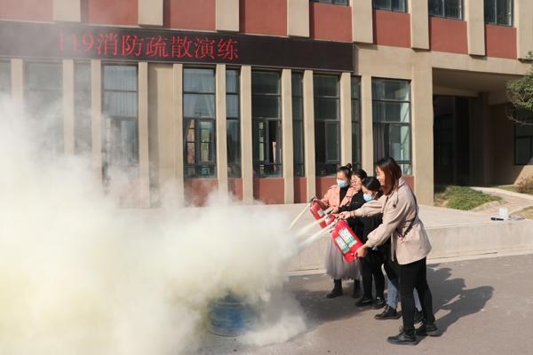 郑州市中原区西悦城第一小学:关注消防 生命至上