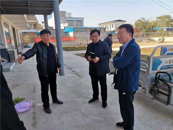 唐河县领导深入苍台镇闫庄村幸福院督导工作