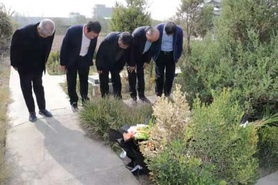 让更多人铭记历史,周口太康烈士后人向县烈士陈列馆捐献烈士遗物