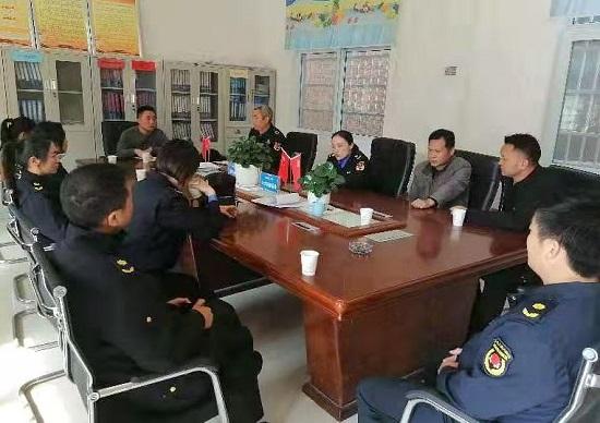 正阳县城管局走访帮扶村贫困户