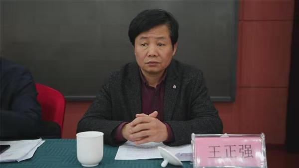 南阳市100名首批特邀行政执法监督员聘任上岗