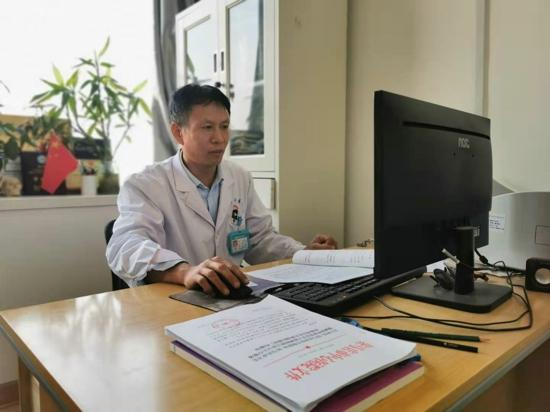 精益求精守护百姓脑部健康的神经外科医生高岩升
