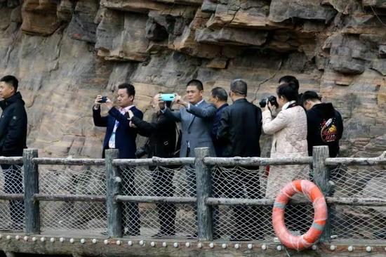 皇帝密都 圣境天成 全国融媒体采访团打卡大美青要山