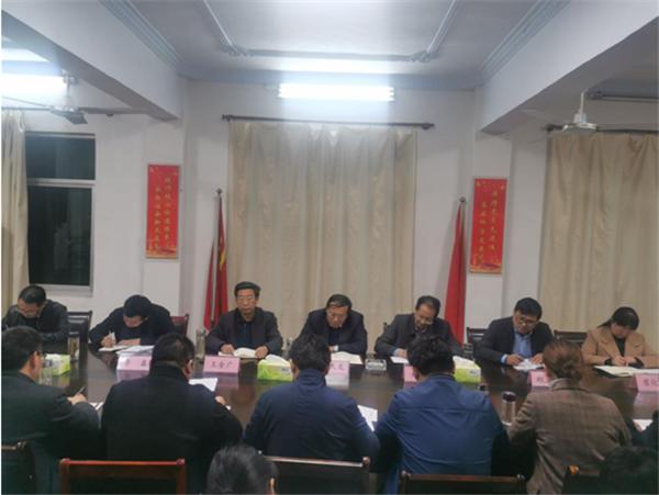 唐河县委书记周天龙到桐河乡督导脱贫攻坚工作