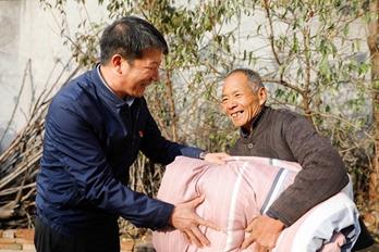 宝丰:志愿服务进乡村 培育文明新风