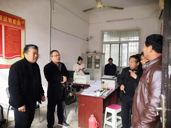 邓州市夏集镇人大履职尽责助力脱贫攻坚
