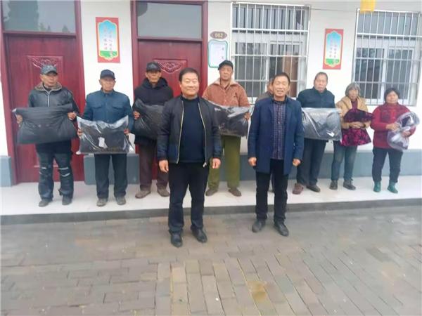唐河县桐寨铺镇:心系困难群众 人大代表传递温暖