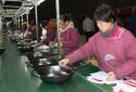 郏县:壮大铸铁锅产业 吸纳贫困户就业