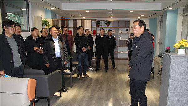 南阳卧龙区法院:创建休闲书屋打造干警精神驿站