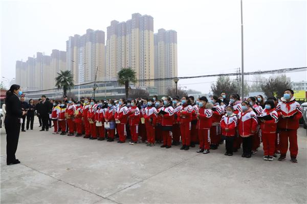 """邓州市法院举行""""走进邓州法院 宪法在你身边""""公众开放日活动"""