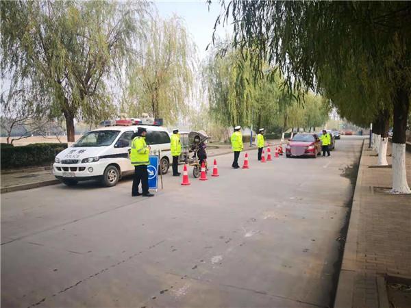 新野交警持续开展酒驾、醉驾查处行动,维护道路交通安全