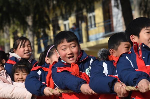 郑州爱心人士为中牟一乡村小学捐赠3万多元爱心物资