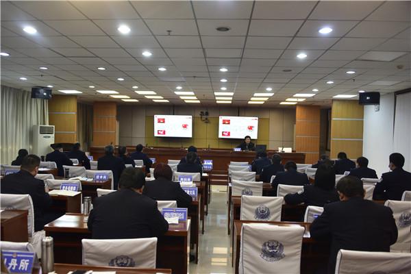 邓州市公安局举办第一期政治轮训班党的十九届五中全会精神辅导讲座