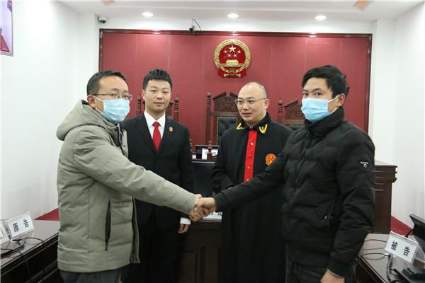 南召法院:交通肇事急逃逸 判刑赔款后悔迟