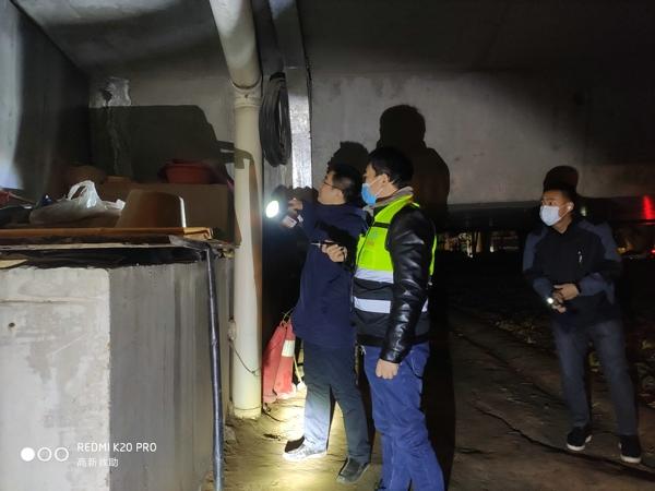 郑州高新区社会事业局开展冬季流浪乞讨人员夜间巡查救助工作