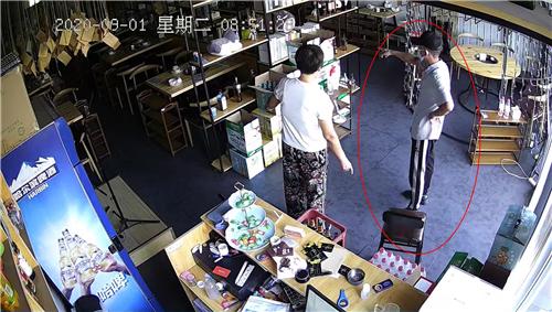 注意!郑州一男子专门冒充办事处人员进行行窃,多个店面被偷!
