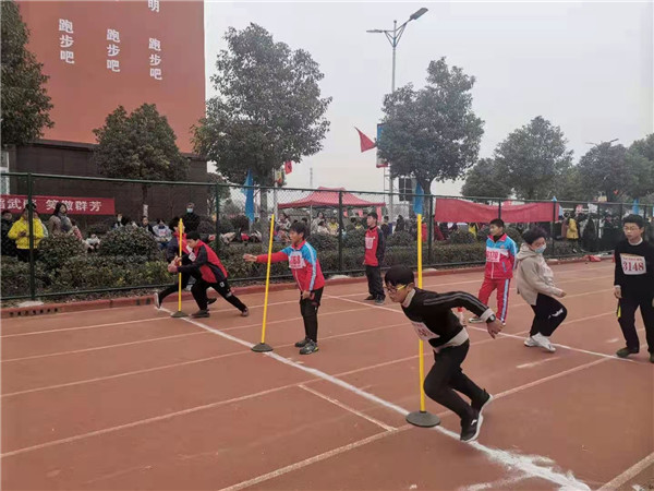 新野县举办2020年中小学田径运动会